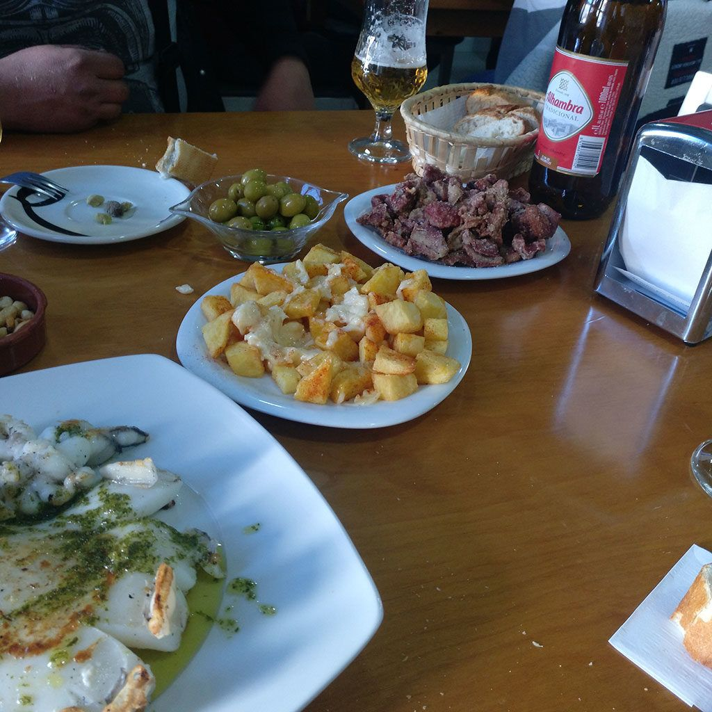 Comida en Higueruelas tras la Estrella de Javalambre